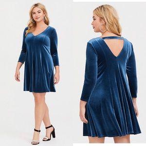 TORRID•teal velvet fluted dress